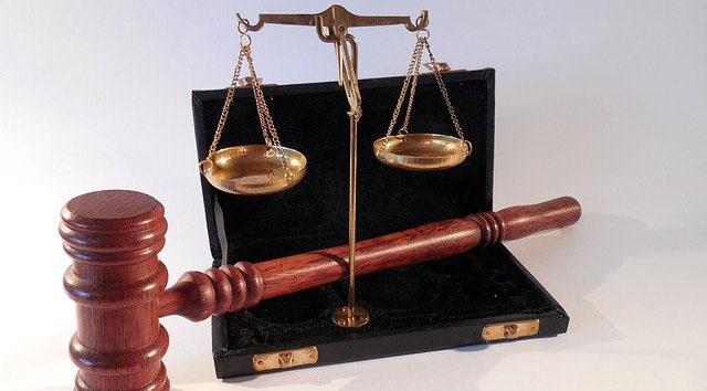 Hammer Gericht Waage Recht